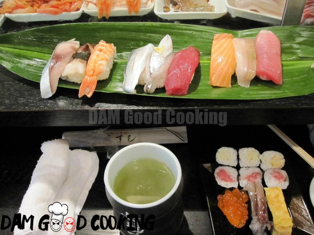 Sushi from tsukiji fish market (2/2)